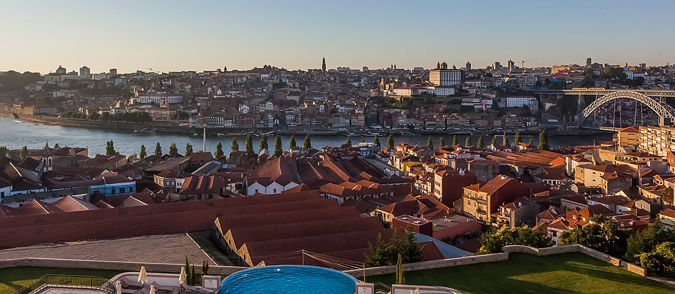 Luxury hotel in Porto with views over and Douro