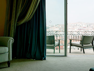Luxury hotel with view in Porto